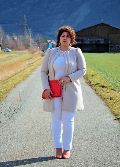 Get this look: http://lb.nu/look/8079224  More looks by Ana Nogueira: http://lb.nu/ananogueira  Items in this look:  H&M Coat, H&M Lace Top, Otto's High Waist Jeans, H&M Pochette, Primark Heels   #plussize #blogger #white #pink #pastel #highwaistjeans