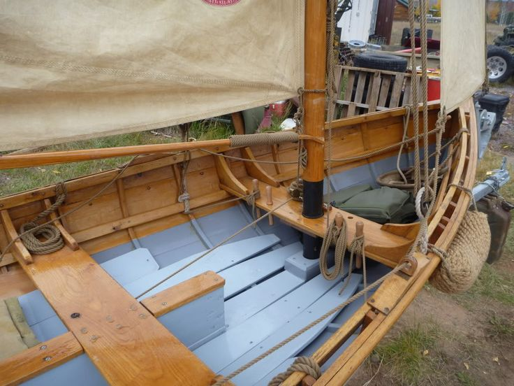 A new Rig for a traditional Whitehall Skiff....