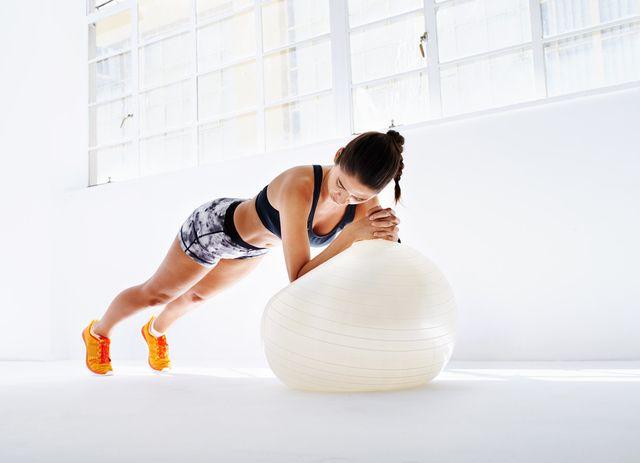 完全保存版!「一生太らないカラダ」を作る4種の体幹トレーニング  -  LOCARI(ロカリ)