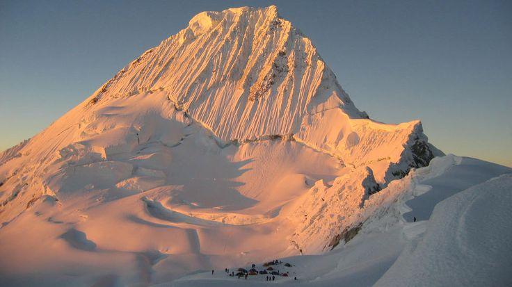 Der Alpamayo in Peru - der schönste Berg der Welt? Was meinst Du?  #peru #anden #trekking #perureisen