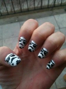 I'd marry that girl! I should specialize in Imperial nail art!