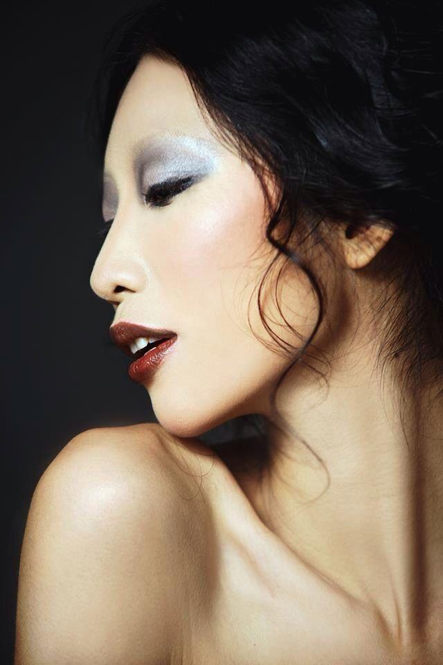 2! Magazine  Foto: Andy Bui Model: Trang pham Make up: Tu Ta Hair: Gill Nguyen Stylish: Ngan Ngo - Phuong Bui