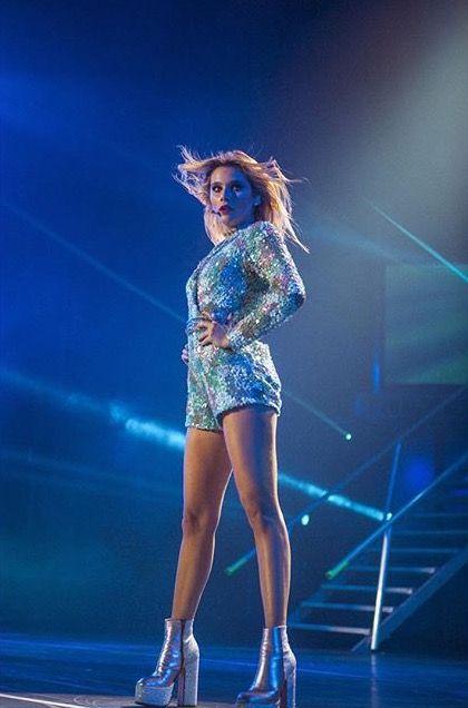 Hermosa como siempre ... Te adoro Valentina Zenere !!!