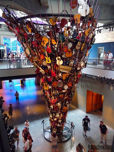 EMP Seattle, Guitar sculpture