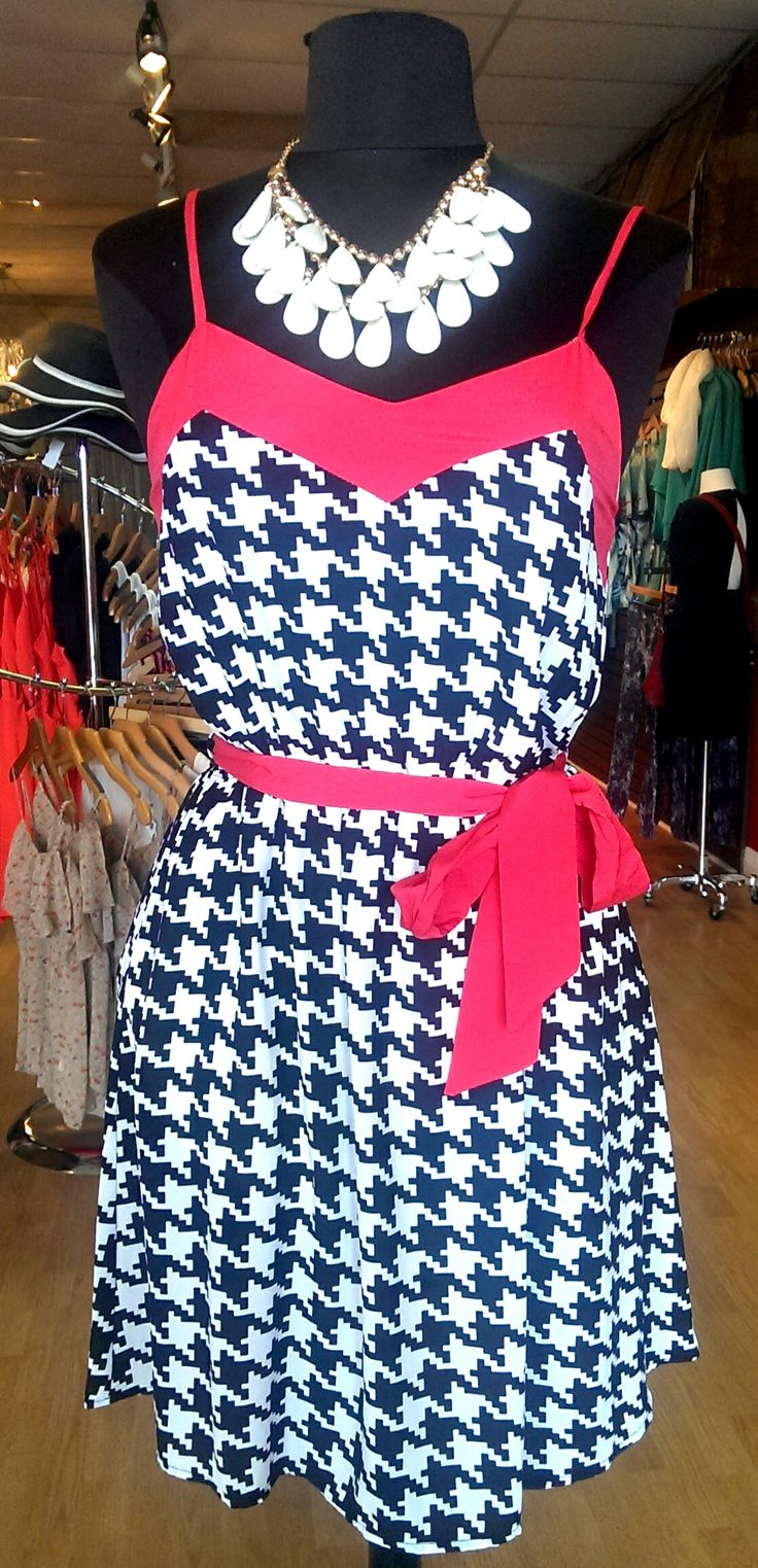 The perfect Alabama football dress! Come try it on at Purse Picasity!