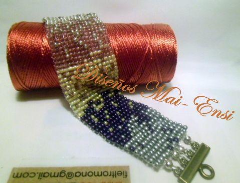 hecho en telar de bisutería, jewelry loom