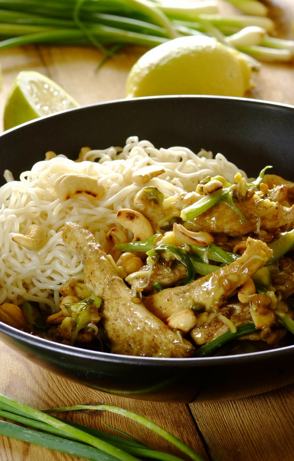 Crunchy Chicken Stir-Fry: Light, bright and bursting with flavour!