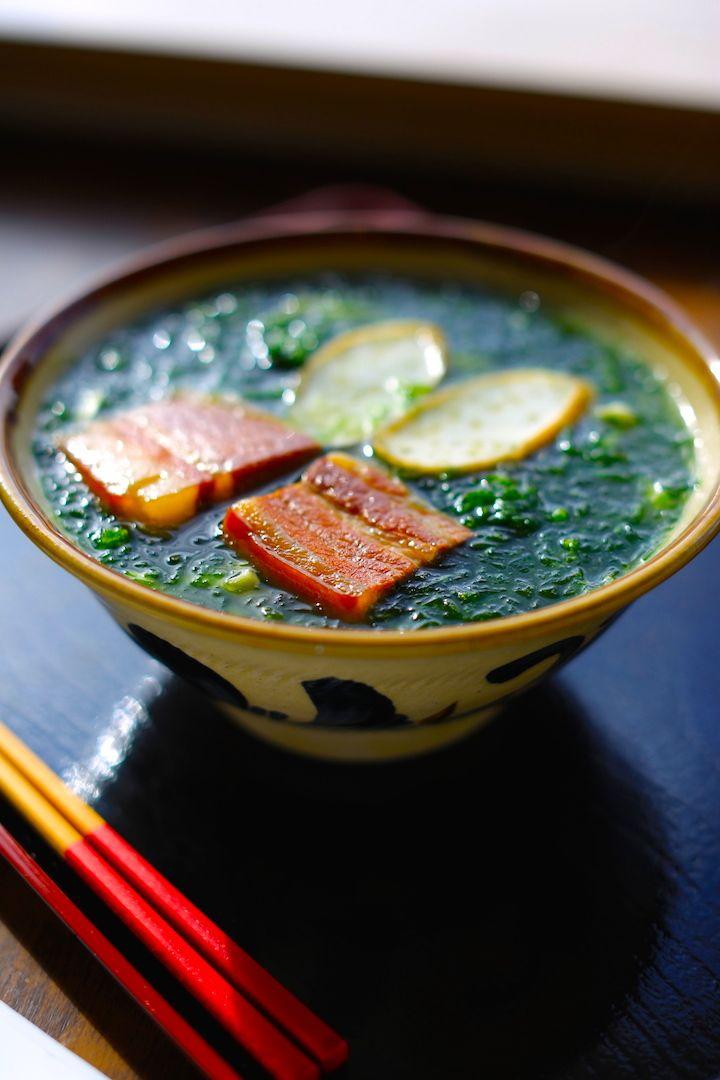 栄養たっぷり!</br> 伊江島産アーサをふんだんに使用した</br> 「なかむらそば」自慢の逸品 - 沖縄CLIP