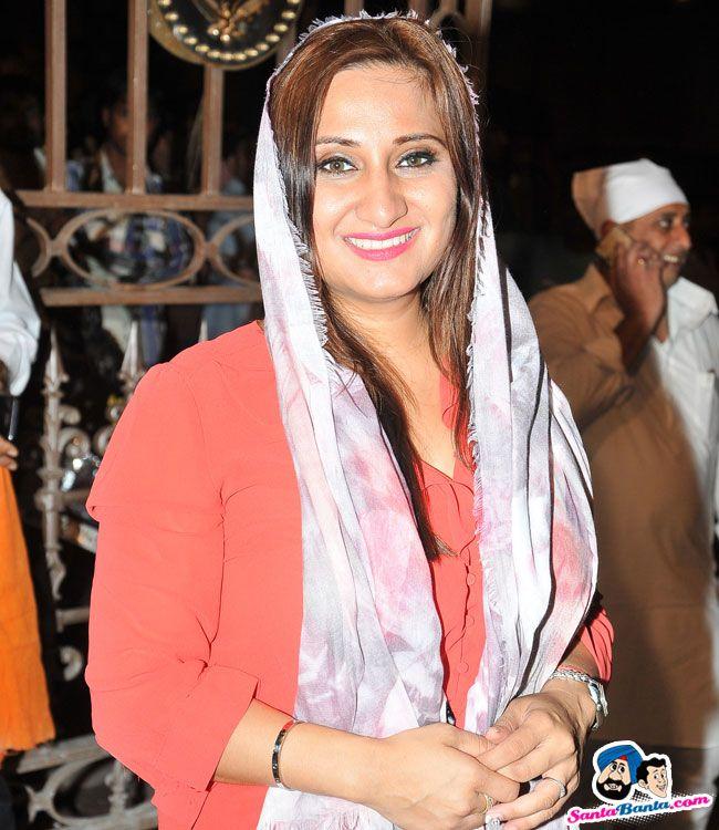 Mahan Kirtan Darbar by Bhai Sarabjit Singh -- Biba Singh Picture # 317874