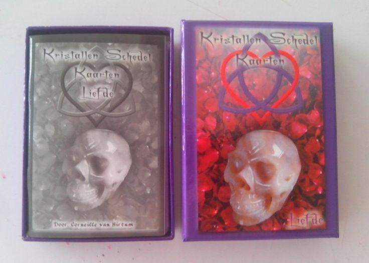 Kristallen Schedel Kaarten Liefde (Corneille van Hirtum) € 19,95
