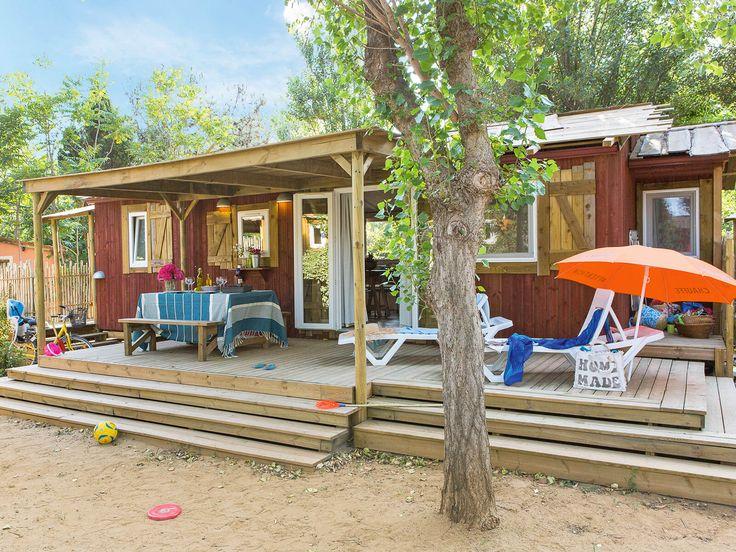 Yelloh! Village Le Sérignan Plage : Cabane Jardin 6 personnes 3 chambres 1 salle de bain, climatisé, Quartier Premium - Plus d'infos : http://www.yellohvillage.fr/camping/le_serignan_plage/nos_locations/9730