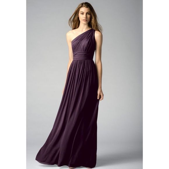 Beautiful Watters chiffon plum bridesmaid dress Professionally dry cleaned, with sewn in cups so specialty bra does not need to be purchased. 2nd photo is my dress in the middle. Worn once for a beautiful wedding!! Watters Dresses One Shoulder