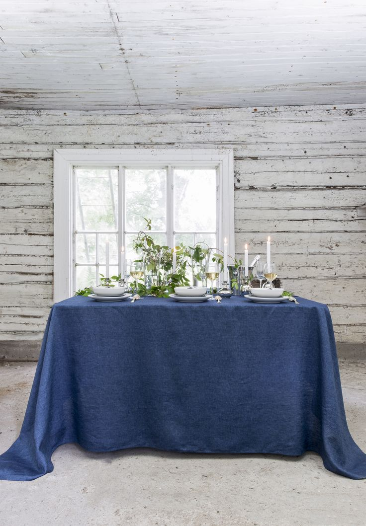 Usva Tableware | Usva is a new, awaited ceramic and textile collection. Ink Blue beauty comes from the brush of the young designer Liina Harju. The silhoutte of the salt hay is shown in the figure.