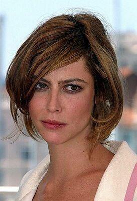 http://imstars.aufeminin.com/stars/fan/anna-mouglalis/anna-mouglalis-20061011-168053.jpg