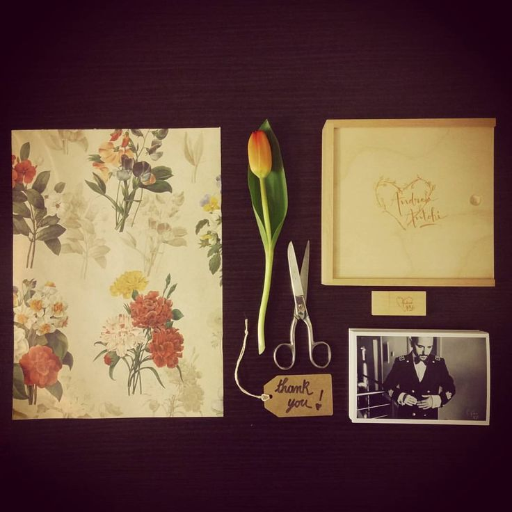 Wooden box for prints and usb. Contact me for your wedding in Italy or worldwide !