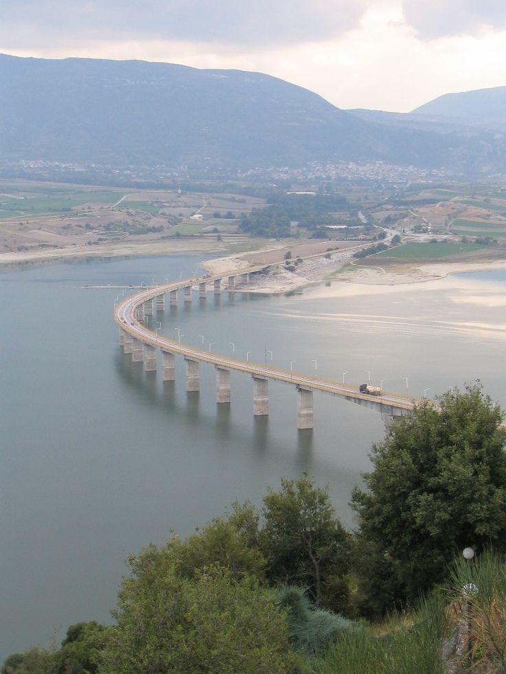 bridges in greece | Fichier:Servia bridge over Polyfytos lake, Kozani, Greece.jpg ...