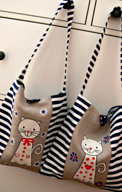 cat on burlap and stripes, it works! super cute bag