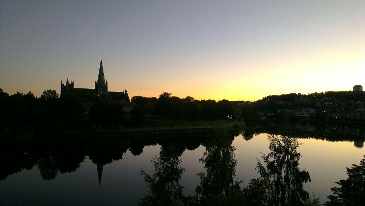 Amazing morning at the river Nidelven and Nidaros cathedral. www.visittrondheim.no