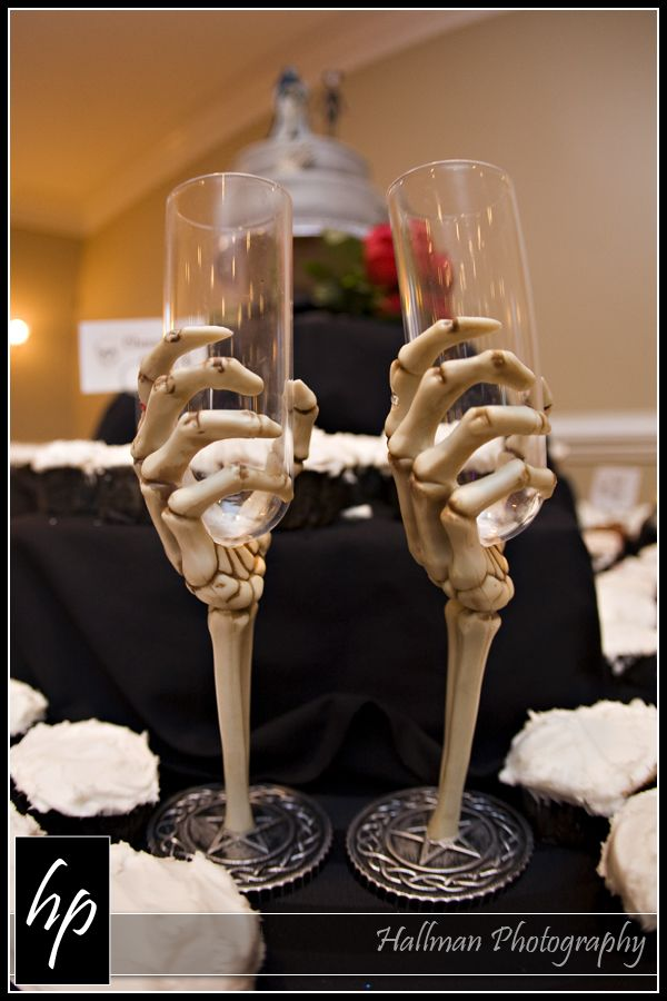 perfect for a halloween theme - Halloween Wedding Centerpieces