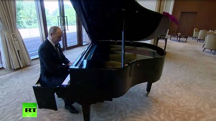Virtuoso-in-chief: Putin plays anthems of Russia's capitals during intl forum in China (VIDEO) https://www.rt.com/viral/388316-putin-plays-piano-china/