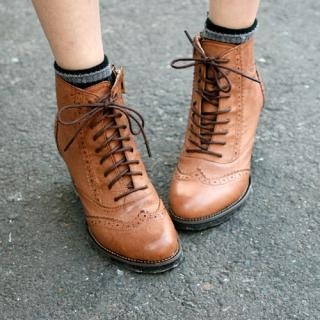 Wing-Tip Oxford Boots