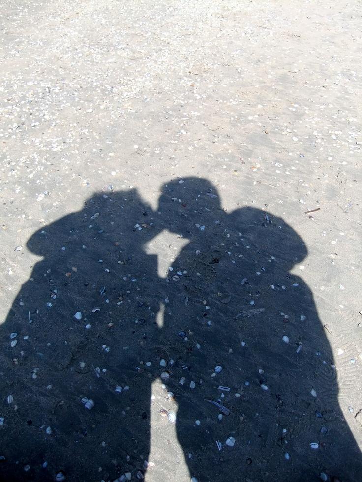 kiss kiss (by Pingwynne)
