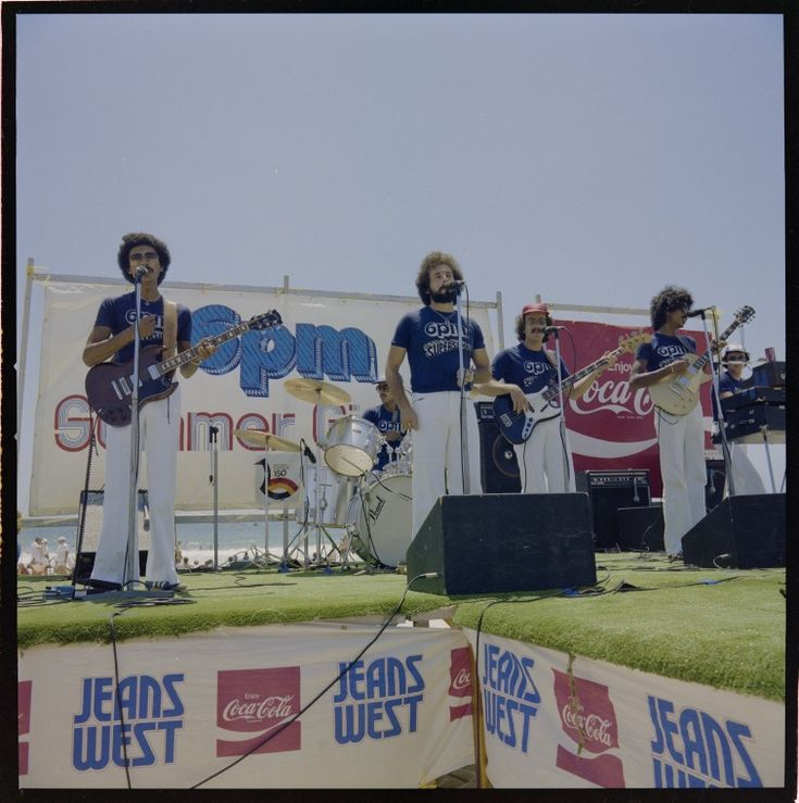 328793PD: A band plays at a heat of the Summer Girl '79 quest is held at Leighton Beach, 15 January 1979 https://encore.slwa.wa.gov.au/iii/encore/record/C__Rb3133172