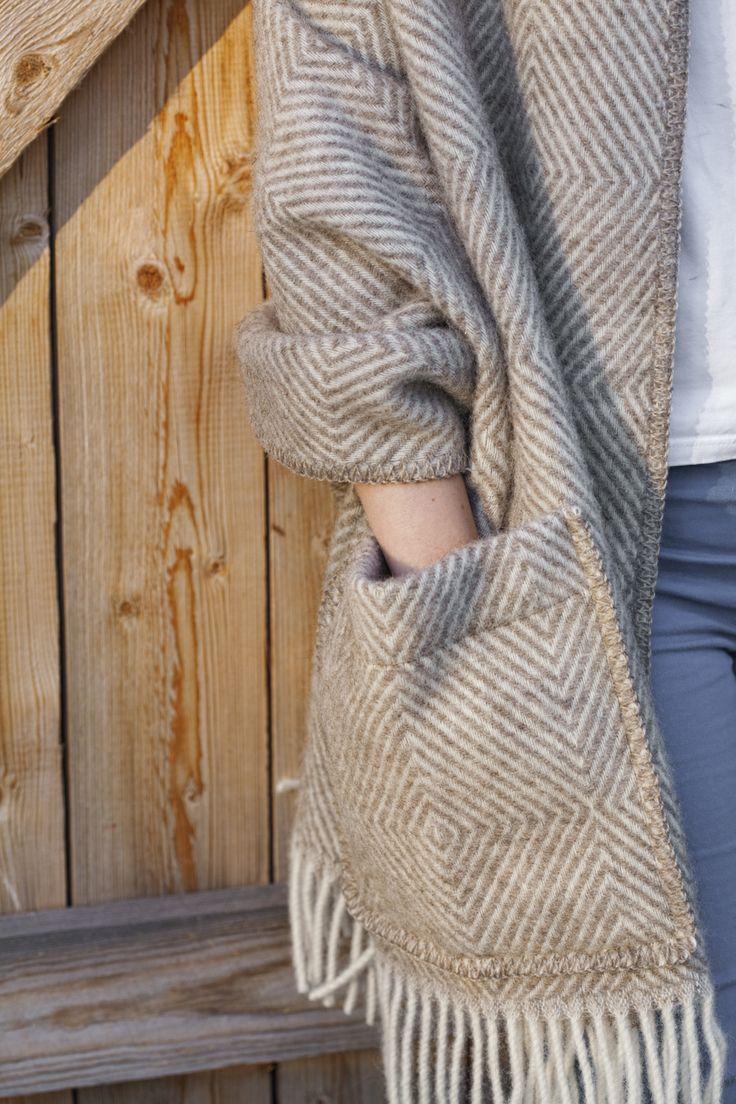MARIA pocket shawl by Lapuan Kankurit