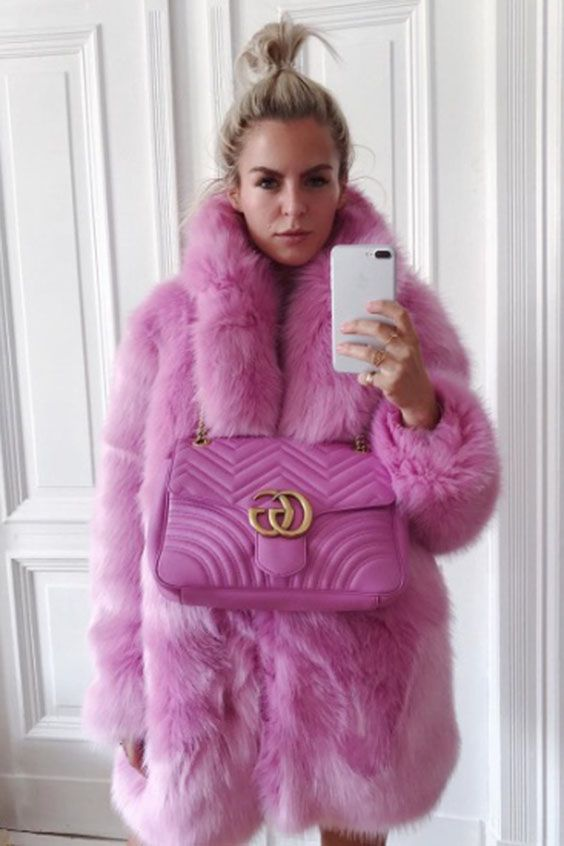 Ever stumbled upon that one piece of clothing, that's just so very much YOU, putting it on feels like coming home to yourself? I MEAN LOOK AT THIS #coat!! My #gucci bag and I are obsessed, can't get enough! #fauxfur #hotpink #coat #outfit