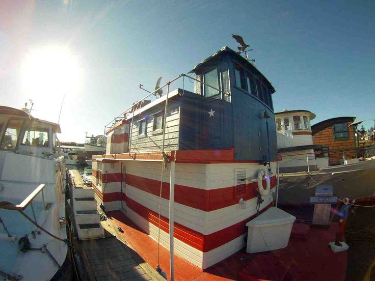Seattle Houseboat Is Devoted To Houseboats And Floating Homes On Lake Union  In Seattle, Washington