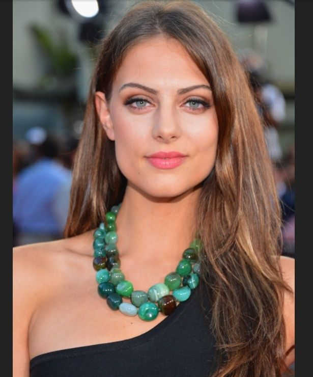 """Julia Voth wearing our """"Jade Says"""" agate double strand necklace on the carpet premiere."""