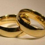 Dica para limpar e restaurar o brilho original de sua aliança e anéis