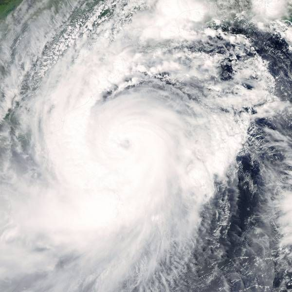 Cyclone Hudhud: 5 killed in AP, Odisha- The Times of India Photogallery Page 2