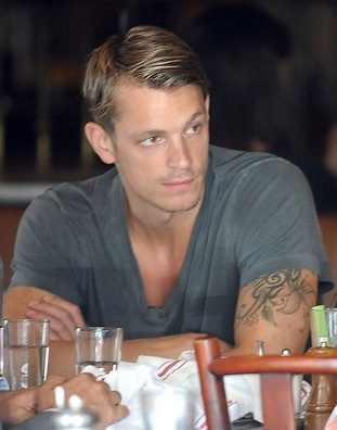 Joel Kinnaman from 'The Killing' who knew all this was hiding under that dark lighting and big Hoodie?