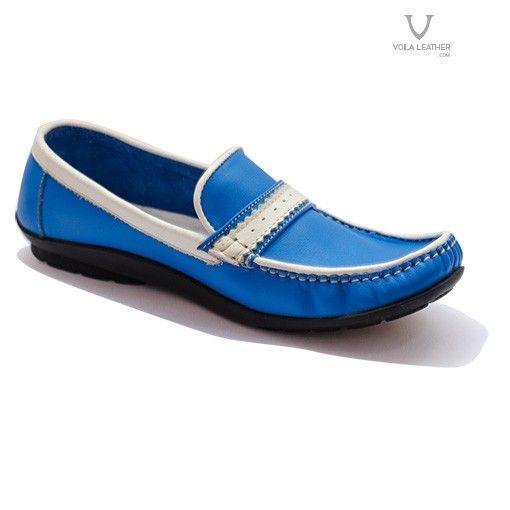 VOILA LOAFER WOMEN GENUINE LEATHER  Rp 369.000 $ 36 Color : blue / red  sepatu Loafer untuk wanita berwarna biru / merah dengan lining putih. Dibuat dari kulit asli di luar dan dalam. Dilengkapi dengan strap permanen untuk menguatkan posisi sepatu di kaki dan mempermanis tampilan. Sepatu Loafer ini memiliki tumit flat terbuat dari karet yang tebal dan empuk,  Sepatu Kulit Wanita Voila Loafer nyaman digunakan wanita untuk bekerja atau jalan-jalan santai. Sepatu Loafer biru cocok dipadankan…