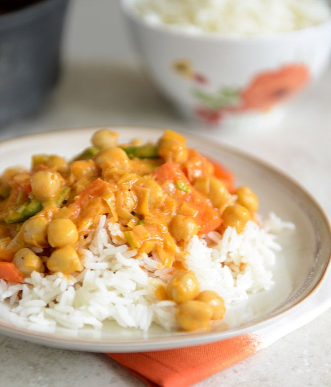 easy chickpea curry with coconut rice.