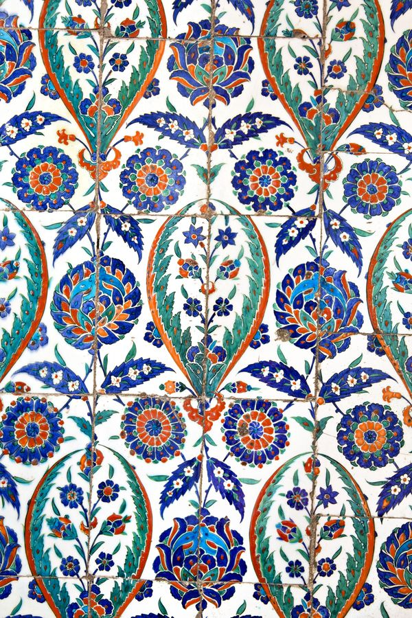 Wall tiles in Sultanahmet Mosque by Ihsan Gercelman, via 500px