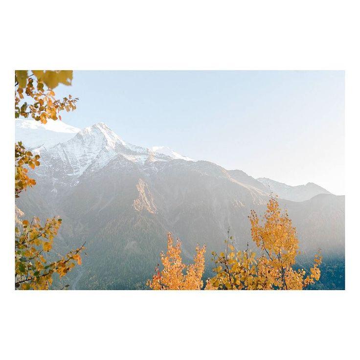 Late afternoon on the Alpes  #julienbonjourphotographe #photographer #photography #naturallight #sunlight #storytelling #liveforthestory #light #lookslikefilm #lifeofadventure #fineart  #fujifilm @fujifilmfr #fuji #annecy #geneve #hautesavoie #geneva #france #lyonphotographe #lyon #chamonix #megeve  #mothernature #mountains #nature #alpes