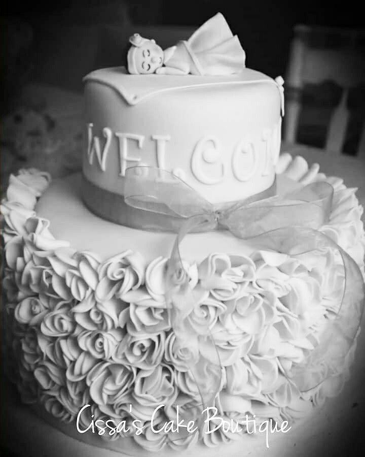 Wedding cakes with cupcakes on tierschutz