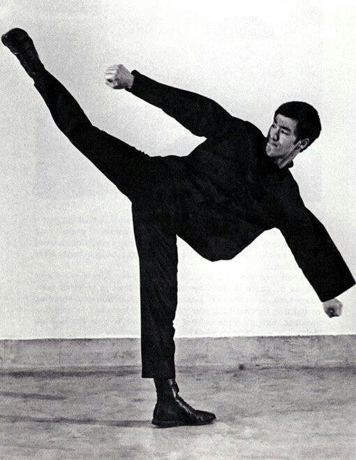 ~Bruce Lee - High Kick~