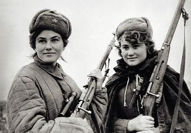 Francotiradoras del Ejército Rojo con fusiles Mosin-Nagant.