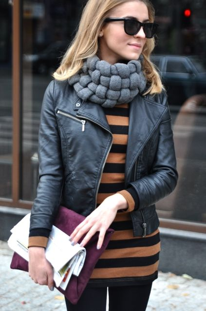 it looks kind of like a neck brace but I love scarves that are big and comfy