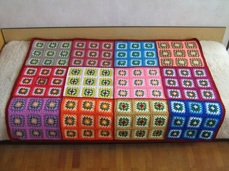 Granny Square Afghan -  Even though this pin isn't an actual pattern, it's a cool idea that would be very easy to recreate.