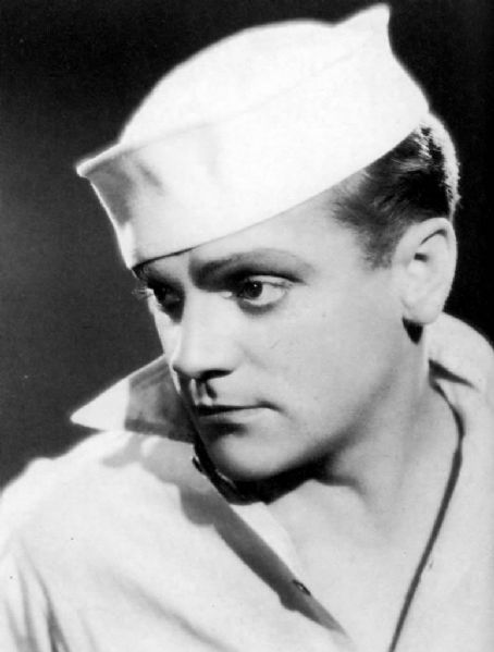 A very young James Cagney.....omg, he was such a talented actor!! Not many around like him for sure!!