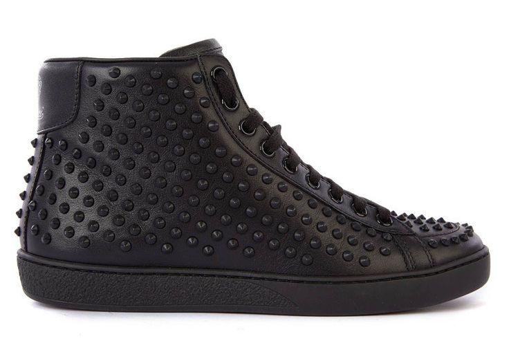 GUCCI sneaker czarne 323795 AYO10 1000 NERO | NOWOŚCI \ GUCCI BUTY \ TRAMPKI | donnamoderna.pl luxury shopping Towar dostępny w przedsprzedaży w cenie 1899 pln.