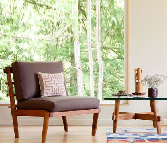 Bamboo and rosewood with an organic cushion
