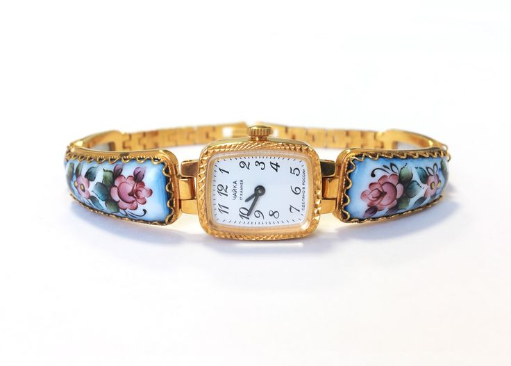 "Gold vintage watch. Soviet watch, Women's watch, Women's soviet watch, Vintage watch, Russian watch, ""Chaika"" 17 jewels, women's wrist watch by MyTinyTree on Etsy https://www.etsy.com/listing/195573145/gold-vintage-watch-soviet-watch-womens"