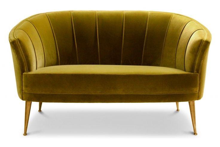 Prächtig üppiges Sofa Modell Maya aus dem Hause BRABBU. Mit ausladend breit gesteppter Innenseite, sanft und elegant geschwungenen Radien, sowie den typischen zeitgenössischen Paspeln ist diese Couch eine liebevolle Reminiszenz an die...