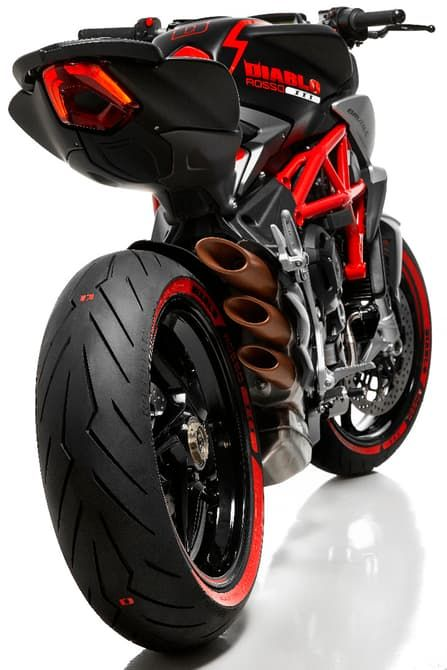 MV Agusta and Pirelli celebrate their collaboration with the special Diablo Brutale