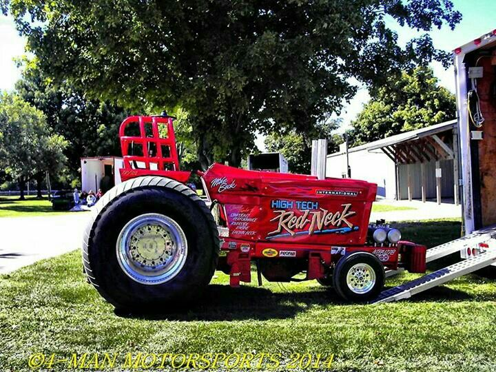Ih Pulling Tractors : Super nice international tractor for pulling